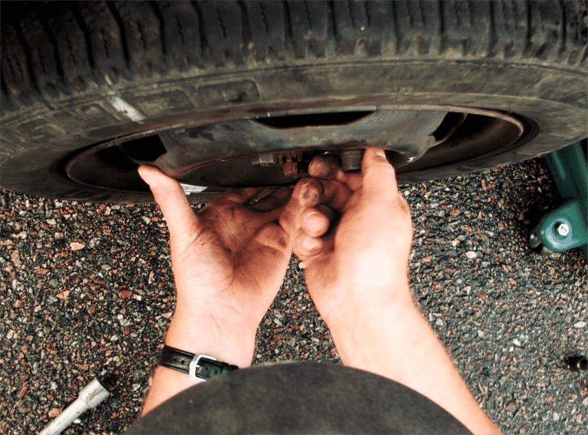 changement-roue-pneu